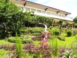 Bed & Breakfast at Royale Tagaytay Country Club - Hotels and Accommodation in Philippines, Asia