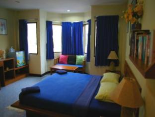 Beshert Guesthouse Phuket - Gjesterom