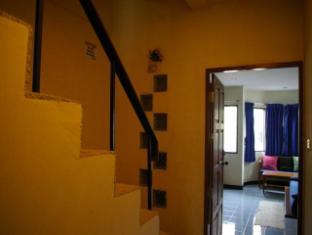 Beshert Guesthouse Phuket - Inne i hotellet