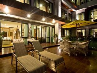 Rashmi's Plaza Hotel Vientiane Vientiane - Balcony/Terrace