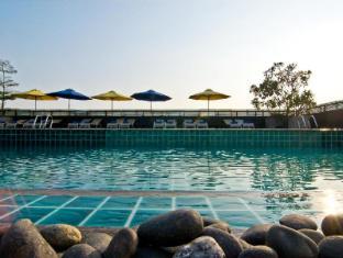 Rashmi's Plaza Hotel Vientiane Vientiane - Swimming Pool