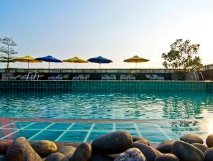 Rashmi's Plaza Hotel Vientiane Vientiane - Outdoor Swimming pool