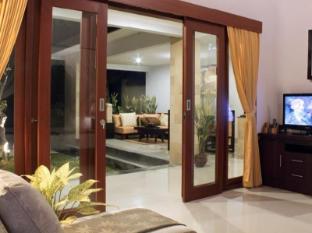 Room photo 5 from hotel Villa Cory