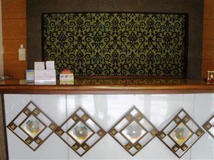 Mira de Polaris Hotel Laoag - Rezeption