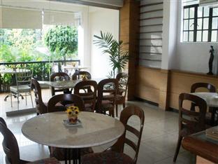 Mira de Polaris Hotel Laoag - Café