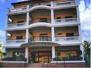 Mira de Polaris Hotel Laoag - Hotel Aussenansicht