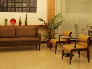 Mira de Polaris Hotel Laoag - Empfangshalle