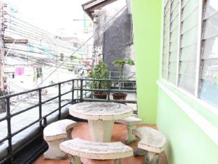 Phuket Backpacker Hostel פוקט - סביבת בית המלון