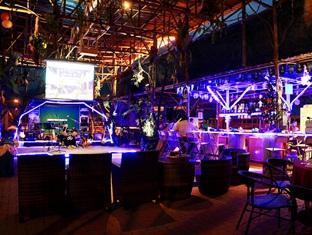 Sinar Serapi Eco Theme Park Resort Kuching - Quầy bar/Pub