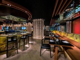 Jumeirah at Etihad Towers - Hotel Abu Dhabi - Food, drink and entertainment
