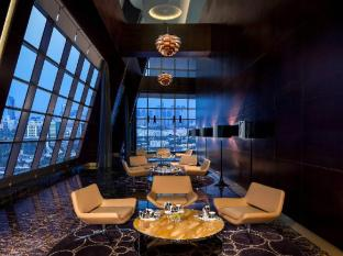 Jumeirah at Etihad Towers - Residences Abu Dhabi - Food, drink and entertainment