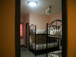 Coolphuket Hostel Phuket - 4 Beds mixed Dormitory with Bathroom