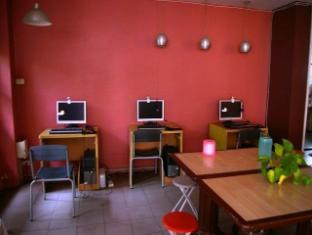 Coolphuket Hostel Phuket - Internet Area