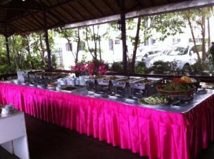 Princess Suvarnabhumi Airport Residence Bangkok - Food and Beverages