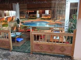 チイサイ ナツ リゾート ボホール - ホテル内部