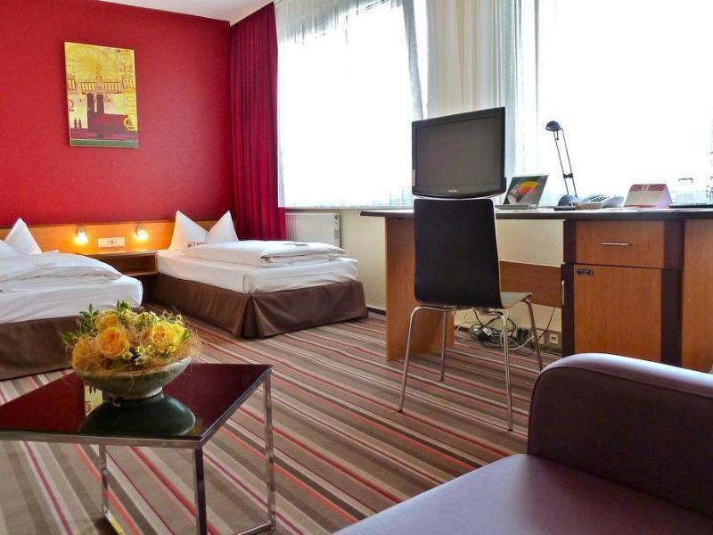 Leonardo Airport Hotel Berlin Brandenburg ברלין