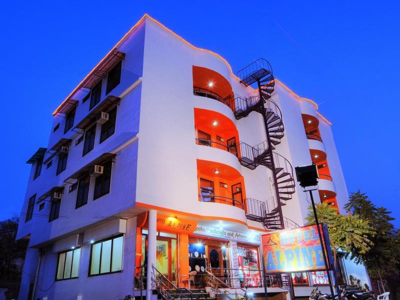 Hotel Alpine - Hotell och Boende i Indien i Agra