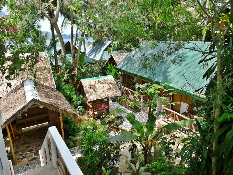 Golden Monkey Cottages - Hotels and Accommodation in Philippines, Asia