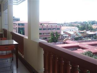 Bolina Palace Hotel Phnom Penh - City View From The Balcony