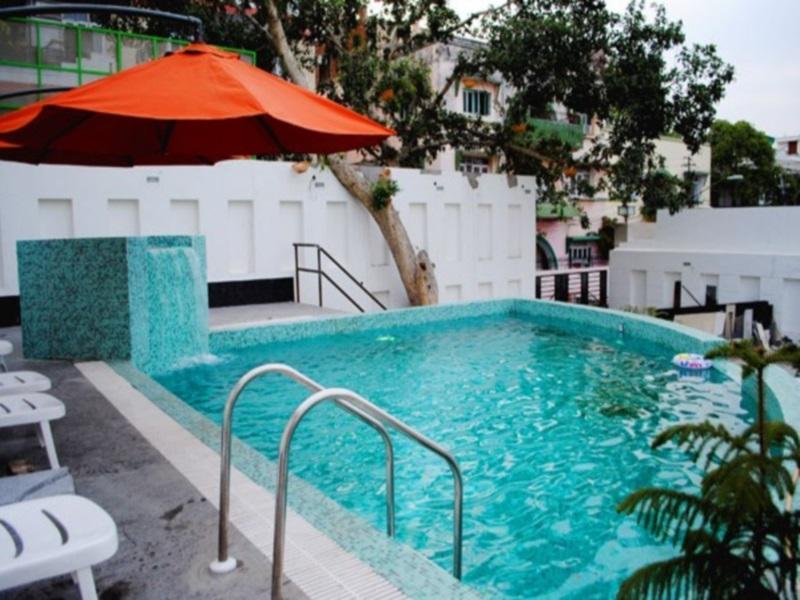 Hotel Royal Cliff - Hotell och Boende i Indien i Kanpur