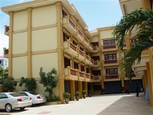 Sre Thmey Hotel Phnom Penh - Parking Area