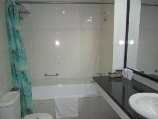 Ha Long Bay Hotel Halong - Bathroom
