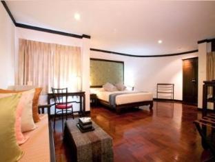 Cucumber Inn Suites and Restaurant Pattaya - Deluxe Double Suite Room