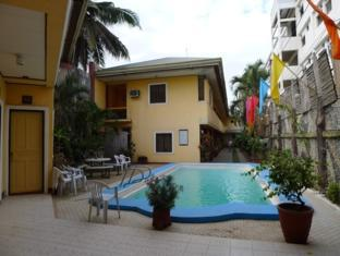 Turissimo Garden Hotel Bandaraya Puerto Princesa - Kolam renang
