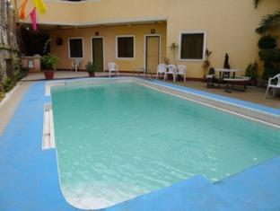 Turissimo Garden Hotel Puerto Princesa City - Swimming Pool