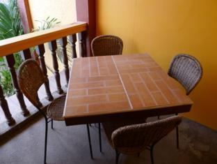 Turissimo Garden Hotel Bandaraya Puerto Princesa - Balkoni/Teres