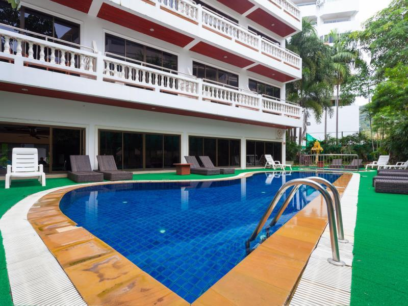 Patong Beach Lodge Phuket - Swimming Pool with Bar