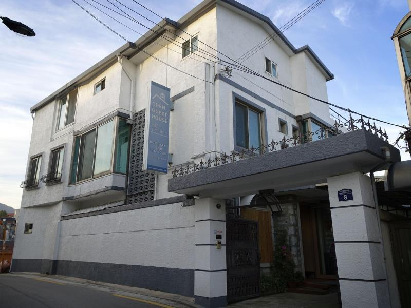 B&J Guesthouse - Hotels and Accommodation in South Korea, Asia