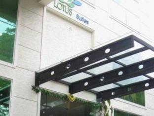 Compact Lotus Suites Bangalore - Exterior del hotel