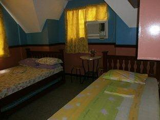 Philippines Hotel Accommodation Cheap | 5R Rooms for Rent Tagaytay - Guest Room