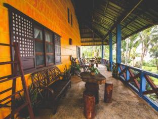Pannzian Beach Resort Pagudpud - Altan/Terrasse