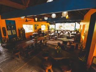 Pannzian Beach Resort Pagudpud - المطعم