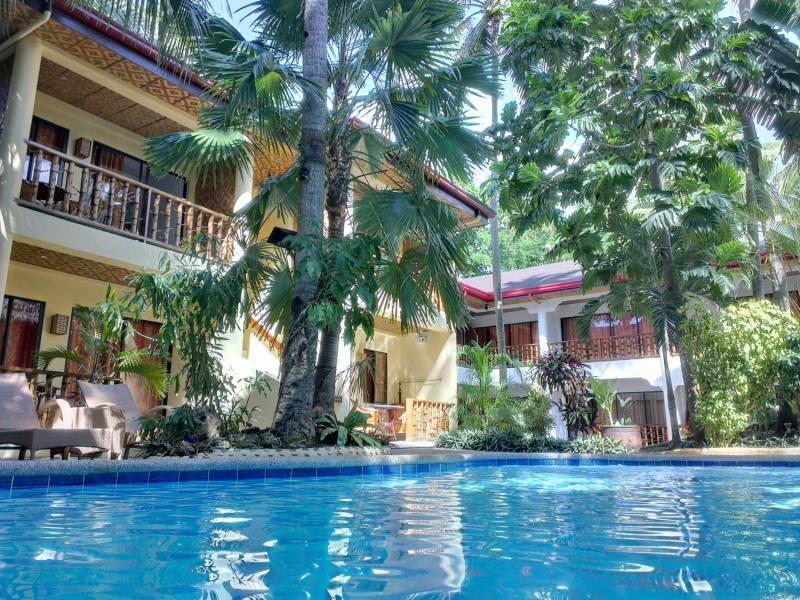 Alona Vida Beach Resort Bohol - Hotellet från utsidan
