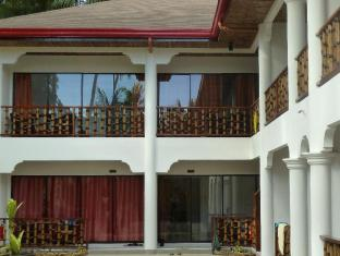 Alona Vida Beach Resort Panglao Island - Deluxe Rooms