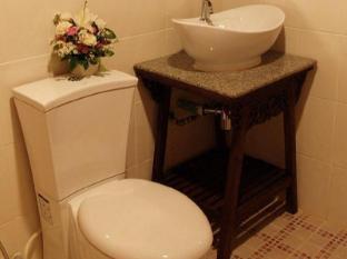 SK Boutique Mahanakhon Hotel Bangkok - Bathroom