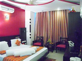 Hotel Empire BNB New Delhi and NCR - Gold Silver Room