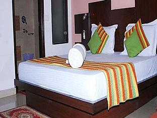 Hotel Empire BNB New Delhi and NCR - Silver Deluxe Room