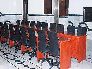 Hotel Empire BNB New Delhi and NCR - Meeting Room