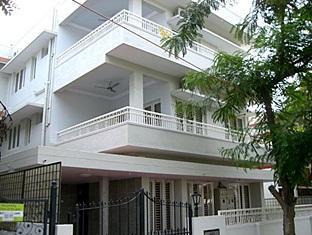 Compact Royal Alpine Hotel - Hotell och Boende i Indien i Bengaluru / Bangalore