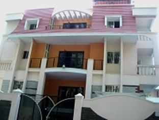Compact Maple Leaf Guest House - Hotell och Boende i Indien i Bengaluru / Bangalore