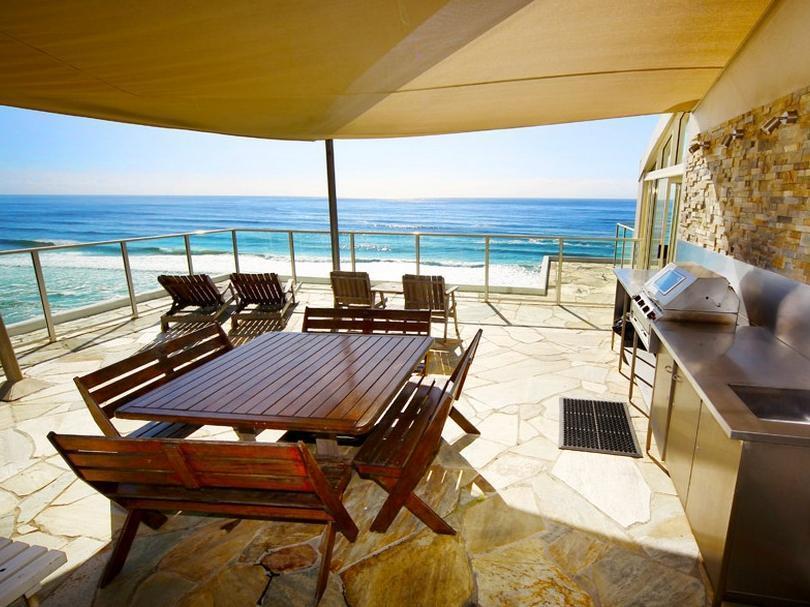 Beachfront Viscount Hotel - Hotell och Boende i Australien , Guldkusten