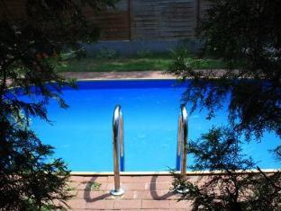 Apartment Papillon Budapest - Swimming Pool