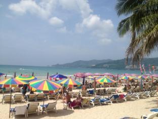 Hollywood Place Phuket - Beach
