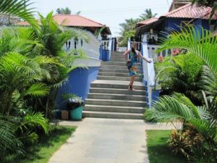 Mayflower Beach Resort North Goa - Surroundings