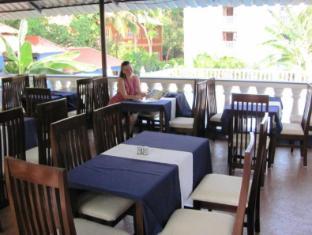 Mayflower Beach Resort North Goa - Restaurant