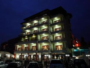 Dinasty Hotel photo